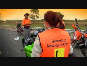 Q ride Mackay motorcycle training with Learn2ride and Brett Hoskin 0447714336